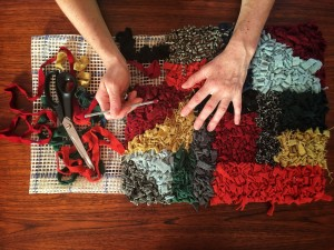 Rag rug making by Vita Cochran